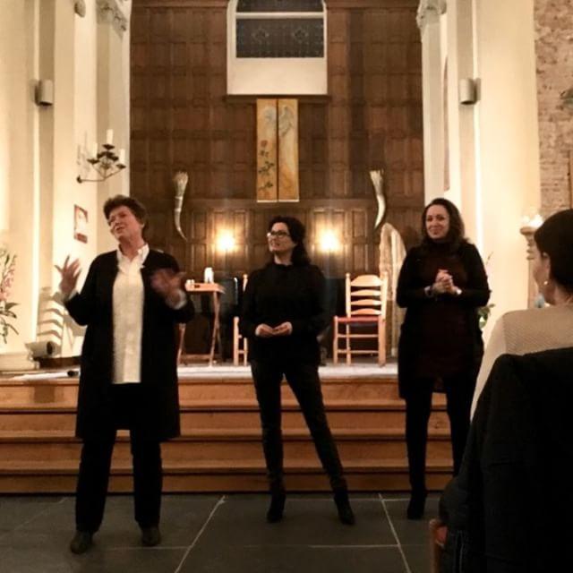 Mediums Diana Mulock Houwer, Laura van Gilst en Lisette Lucas