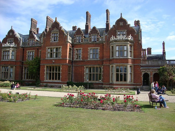The Arthur Findlay College door Lisette Lucas