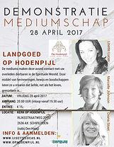 Demonstratie mediumschap in de kerk van landgoed Op Hodenpijl met mediums Lisette Lucas, Marcelle Weevers en Diana Stoet