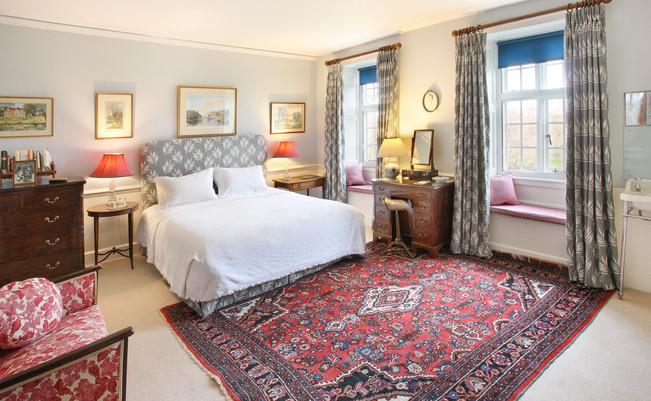 Gwen Farrar bedroom