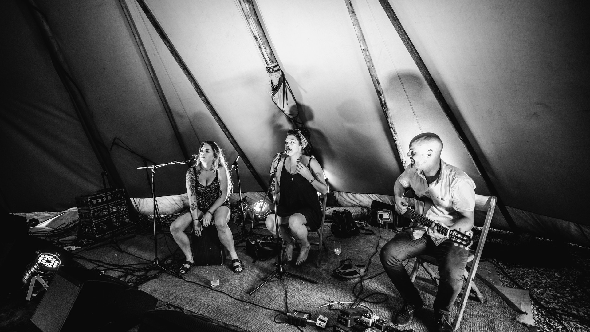 Band in tipi