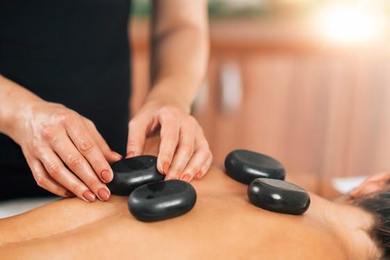 stone-massage-GCKRX64.jpg