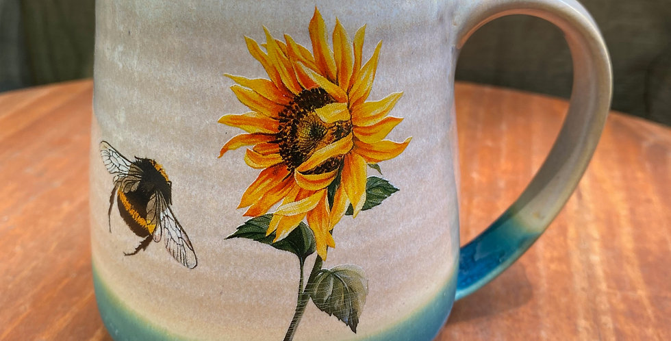 Sunflower and Bee Mug 016