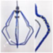 résilientes emmaus upcycling design insertion création récupération slowdesign social refabrication cintrés lampes cintres bleu jaune détail