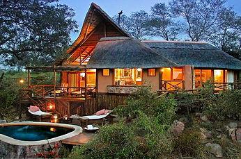 lukimbi-safari-lodge-premier-suite-exter