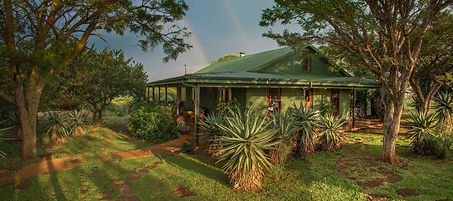 three-tree-hill-exteriors-lodge-02.jpeg