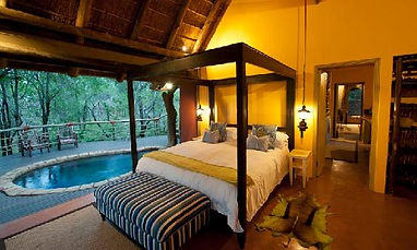 nare-suite-master-bedroom.jpg