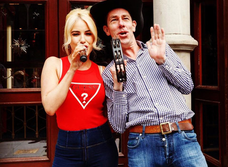Cliona busks with Ryan Tubridy ahead of RTÉ's Late Late Country Special