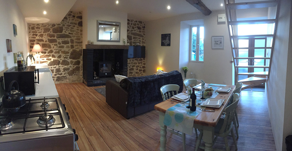 Holiday Lets in France | Open-plan Cottage with Home Comforts