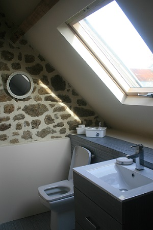 Papillons Bathroom | Holiday Cottage