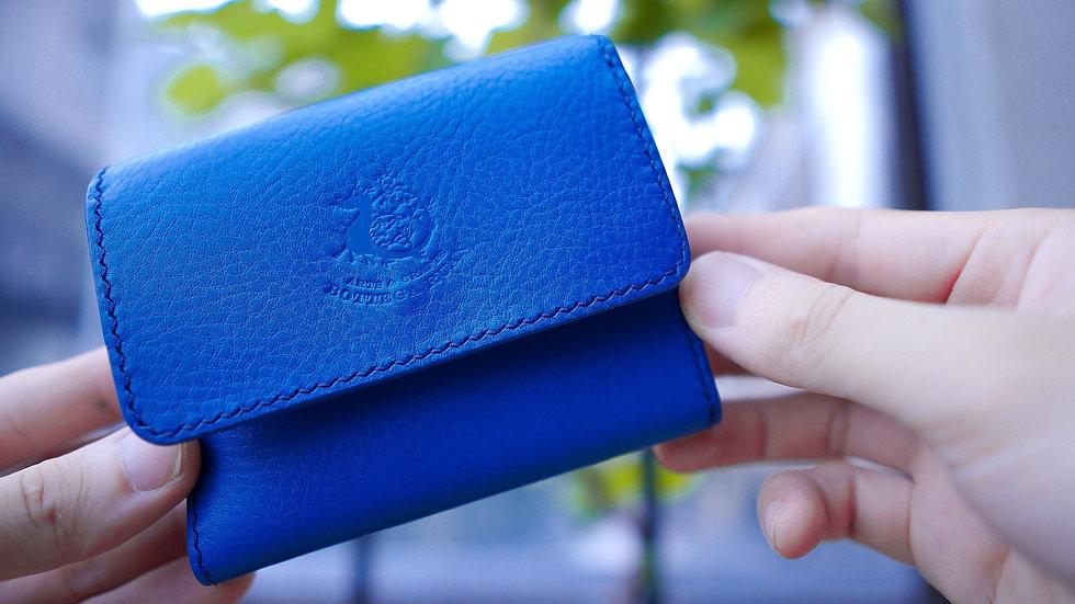 革を贅沢に使った三つ折り財布の複製