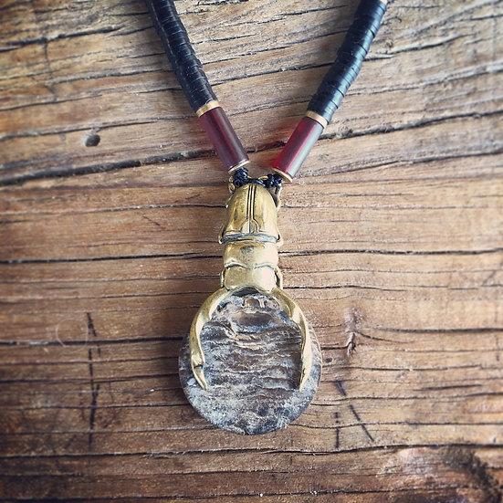Give & take :持ちつ持たれつ(真鍮、シェル、、ココナッツビーズ、樹脂、革)