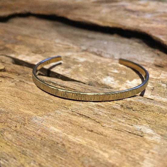 樹皮テクスチャーの真鍮バングル