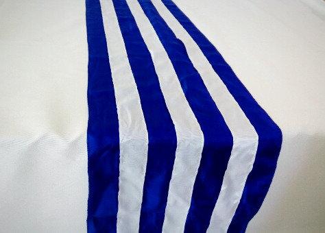 Раннер синего цвета в белую полоску