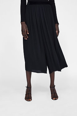 ZARA Pleated Trousers Black