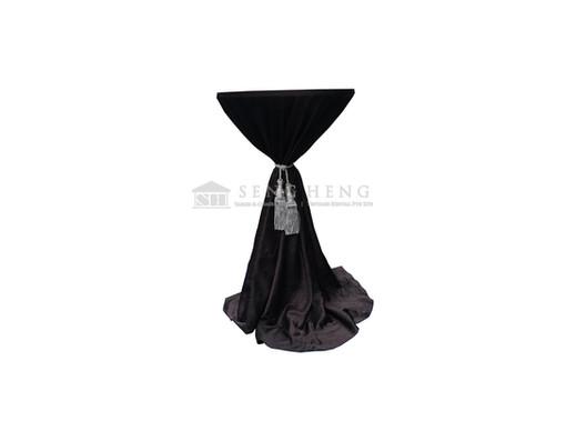 blackclothsilvertassel.jpg