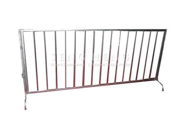 barricades_metal1.jpg