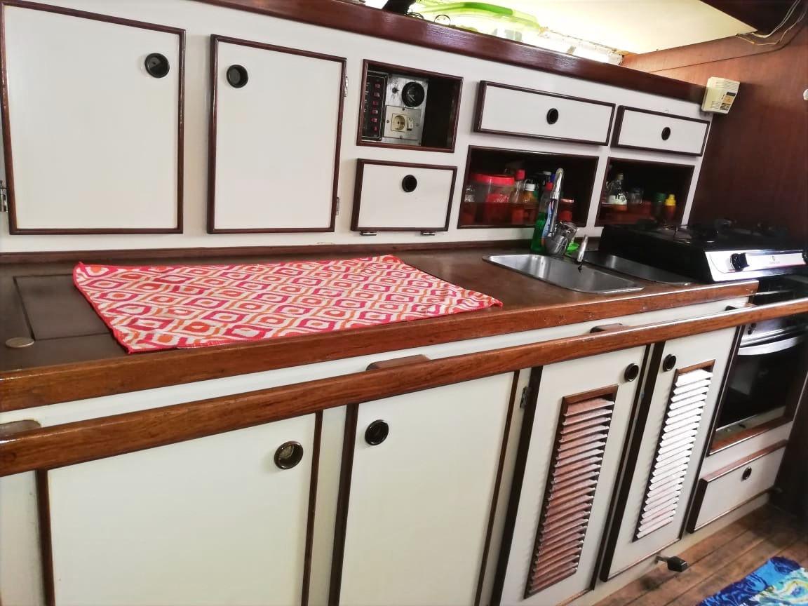 Cuisine voilier Jeanneau Space 1300 Panama