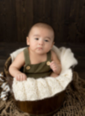 Mateo belly session-38.jpg