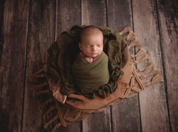 Dallas Texas Newborn Photographer | Crystal Wakeland Photography | Maternity Photographer| Pantego Texas