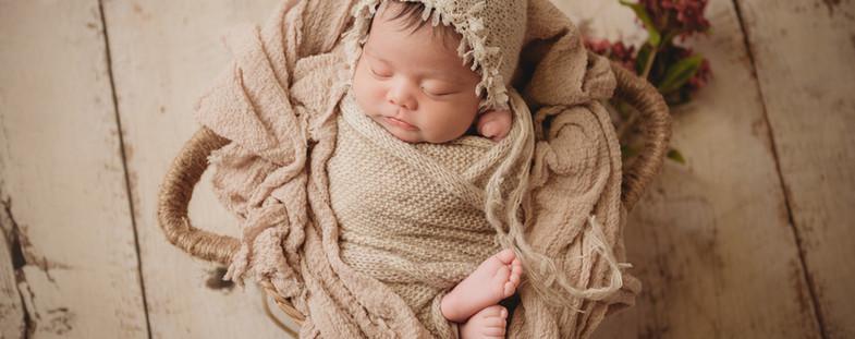 Dallas Texas Newborn Photographer   Crystal Wakeland Photography   Maternity Photographer  Pantego Texas