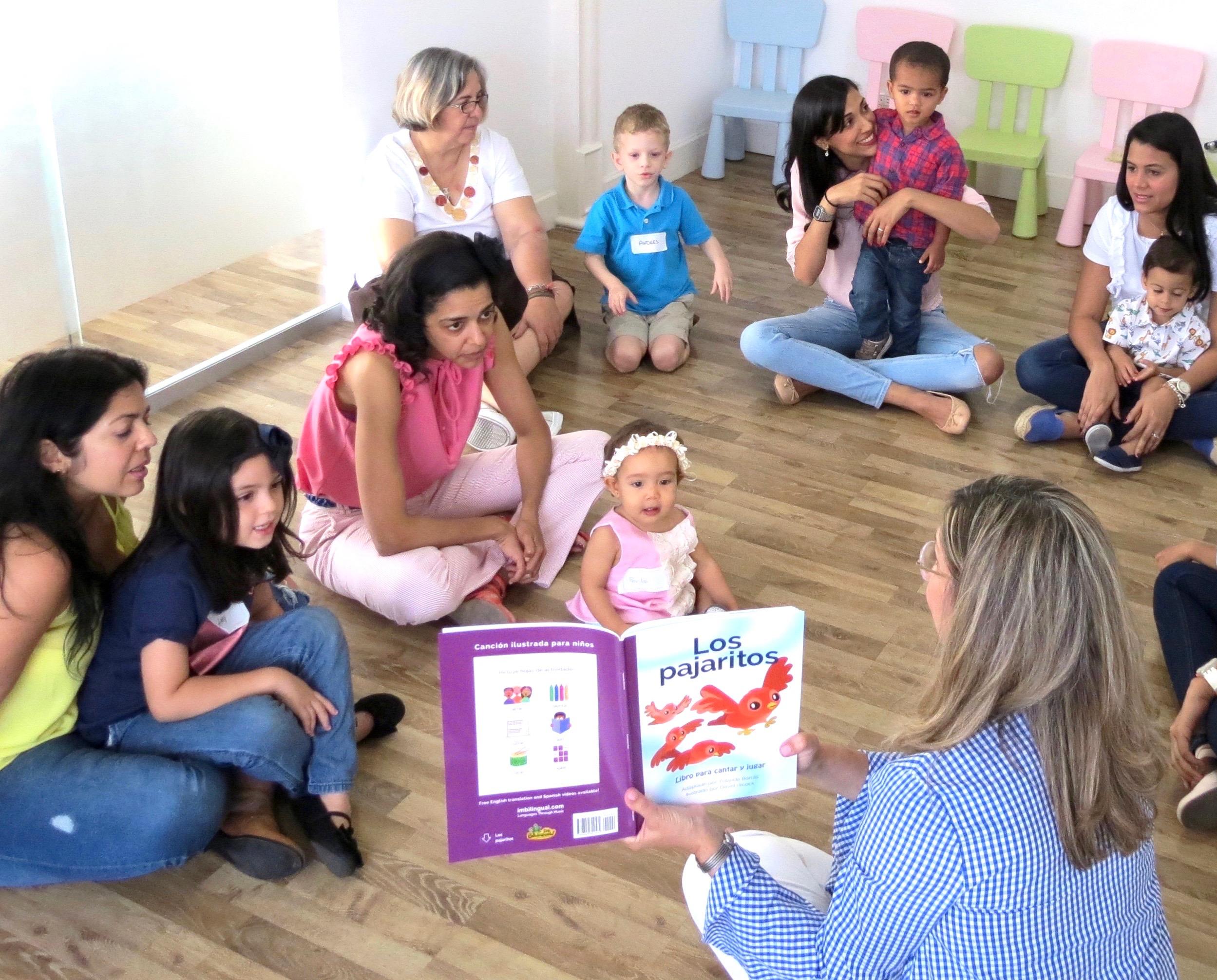 Yolanda Borras impartiendo Clase I'm Bilingual! en CAF Roraima