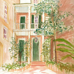 a courtyard in new orleans