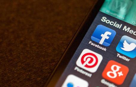 10 commandments for social media
