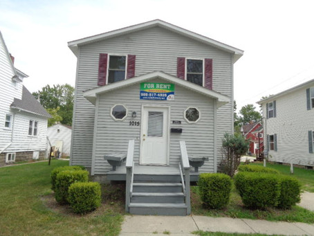 RENTED ~ 1015 S. Main St. Mt. Pleasant MI 48858