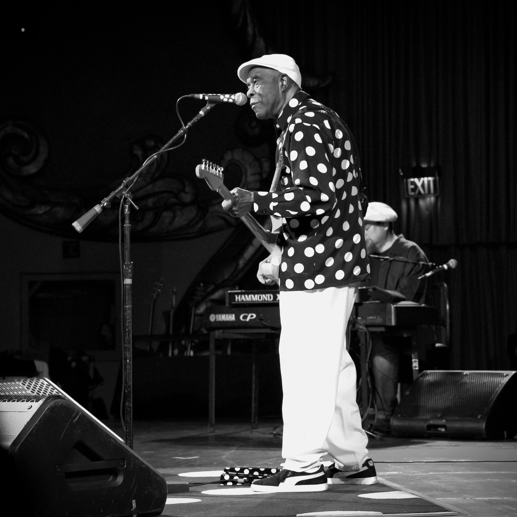Buddy Guy Live at the Crest Theater in Sacramento, CA
