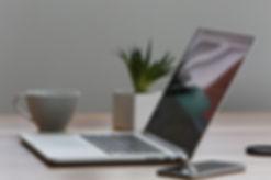 macbook-pro-iphone-cup-desk-7974.jpg