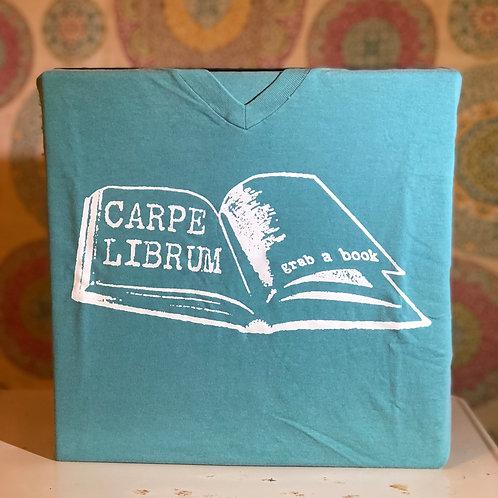 Carpe Librum Teal V-Neck T-Shirt