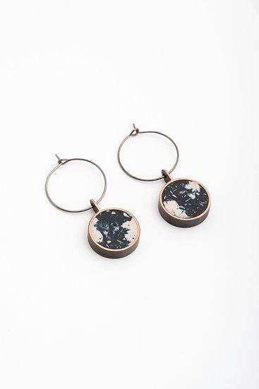 hoop earrings with mineral resin