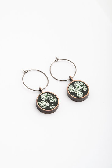 hoop earrings with mineral resin