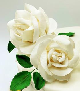 White sugar roses