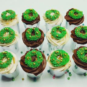 Holiday Wreath Mini Cupcakes