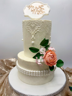 Chandelier lace and pearl wedding cake
