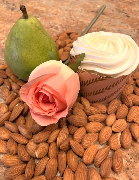 pear, almond, rose flavors for wedding cake