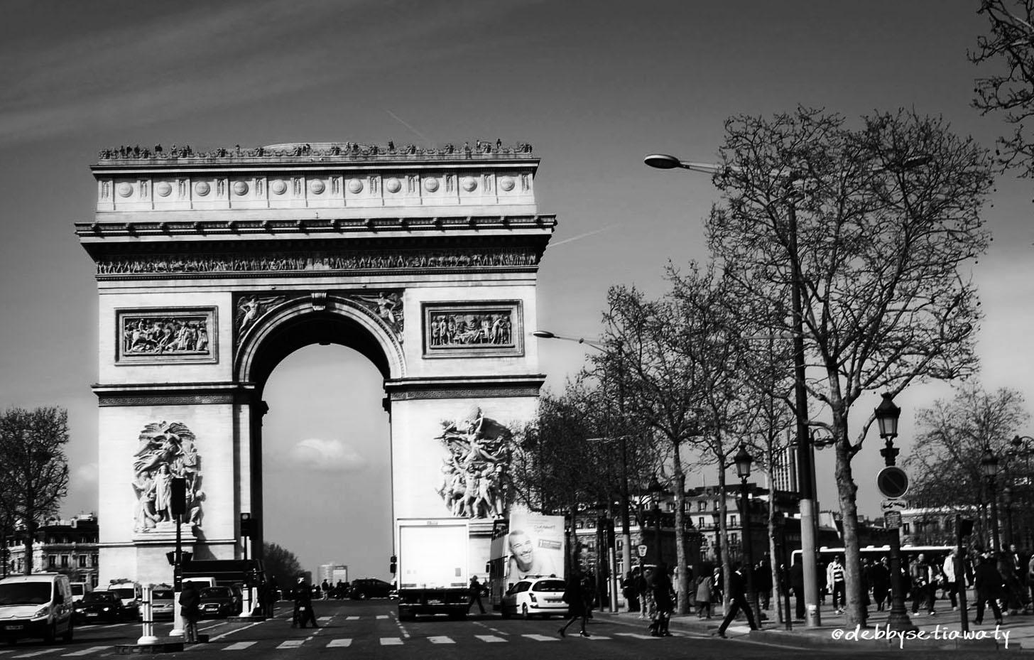 Deb-Paris1.jpg