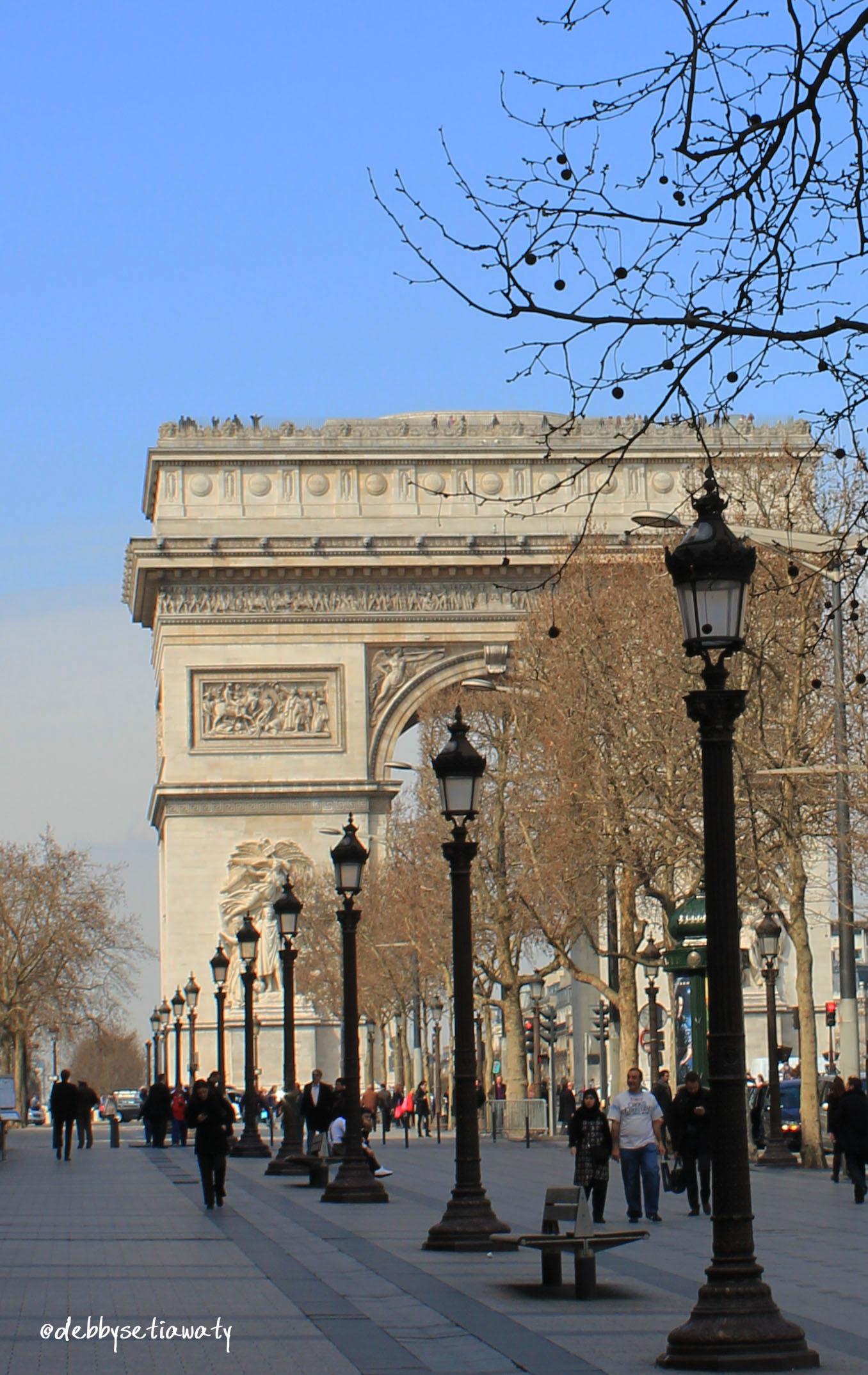Deb-Paris3.jpg