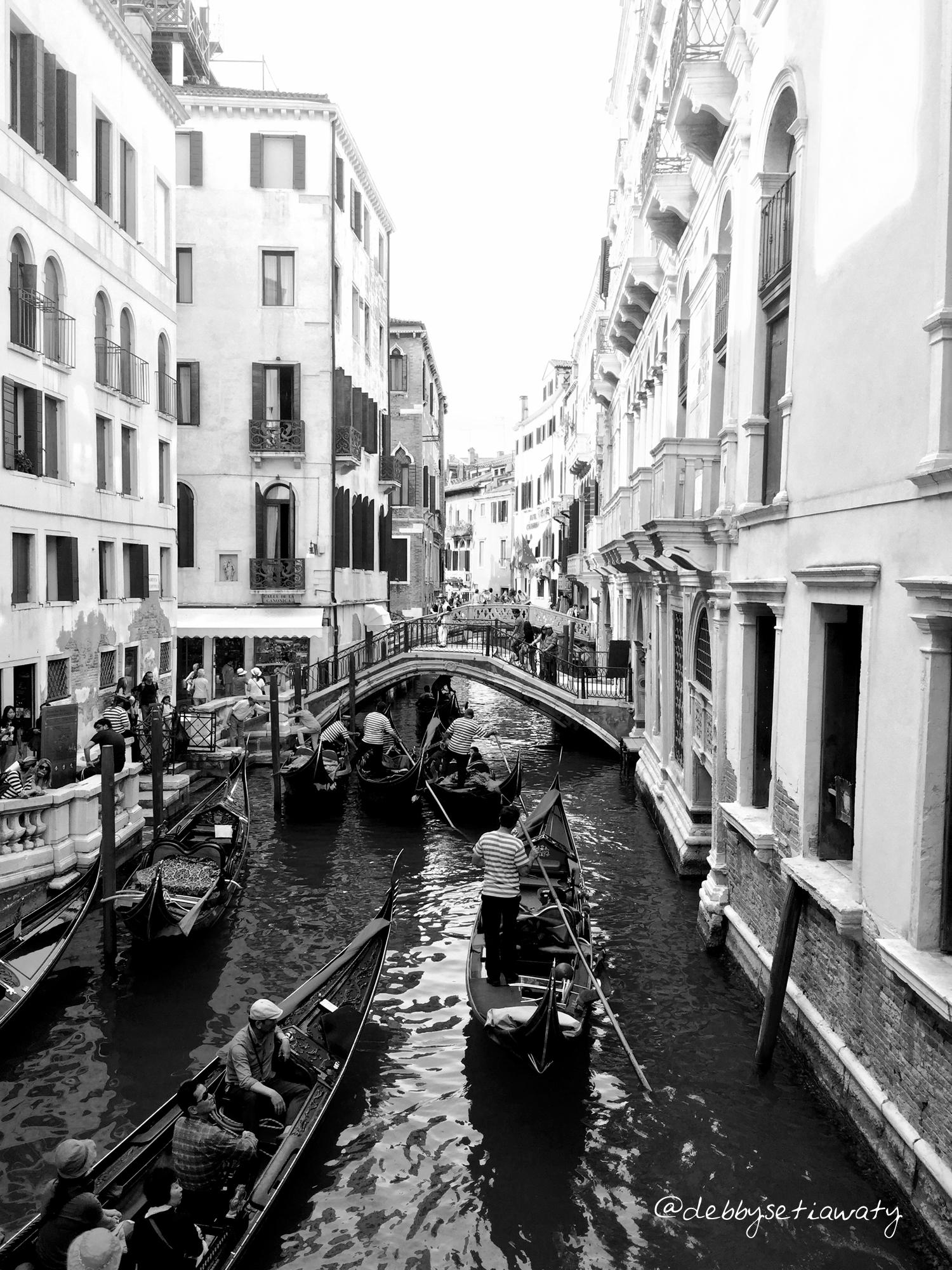 Venice BW - L