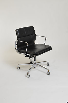 Eames Office Chair EA217