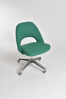 Eero Saarinen Executive Office Chair