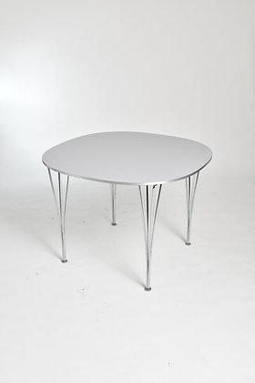 Fritz Hansen Table Super Ellipse