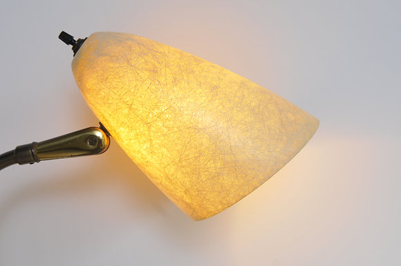 Tischlampe mit Doppelschirm in Fiberglas