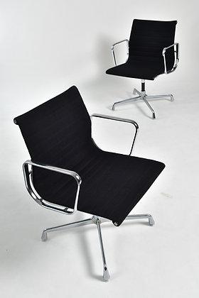 Charles & Ray Eames EA 107 Set