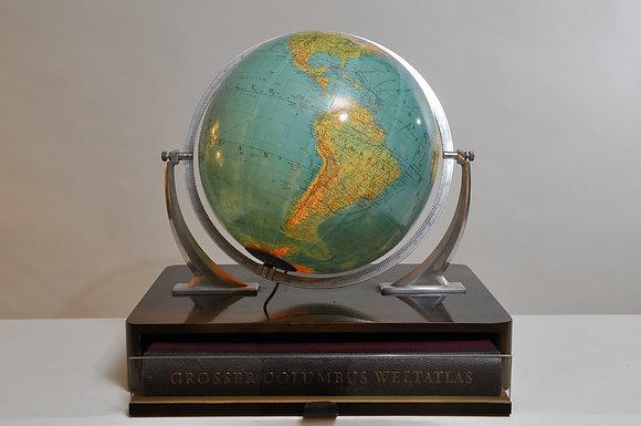 Globus mit Atlas