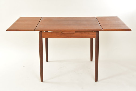 Danish Extension Table