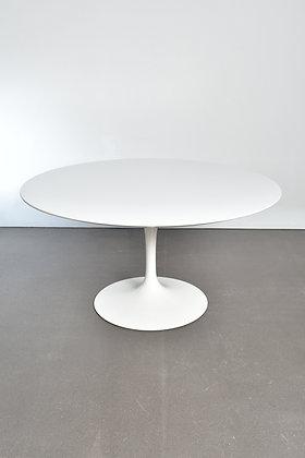 Eero Saarinen Tulip Table 137cm