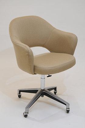 Eero Saarinen Office Chair